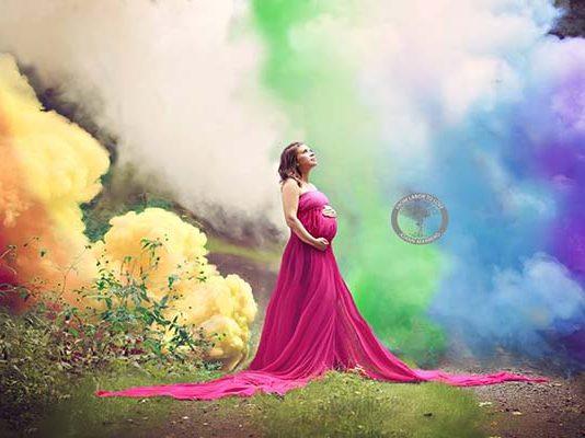 Nach sechs Fehlgeburten: Mama feiert ihr Regenbogen-Baby mit spektakulären Fotos