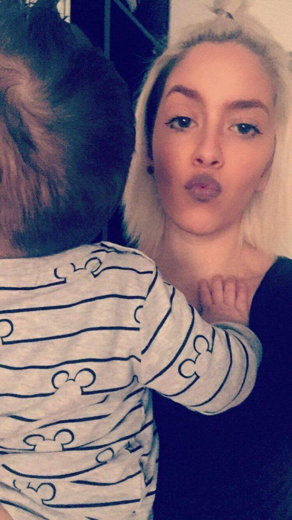 Sarah mit ihrem Sohn Tamilo-Elias