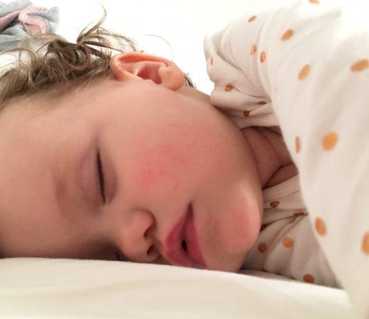 10 Tricks, wie deine Kinder abends besser einschlafen