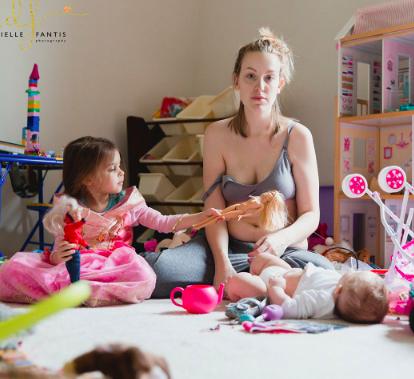 Wochenbettdepressionen: Diese Mama bricht das Schweigen