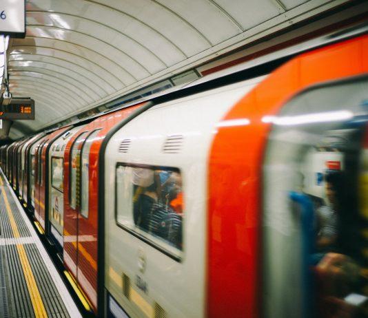 Nicht ins Krankenhaus geschafft: Wenn das Baby in der U-Bahn kommt