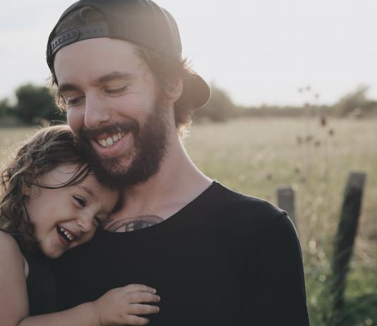 Patchwork-Familie: So klappt es zwischen deinem neuen Freund und deinem Kind