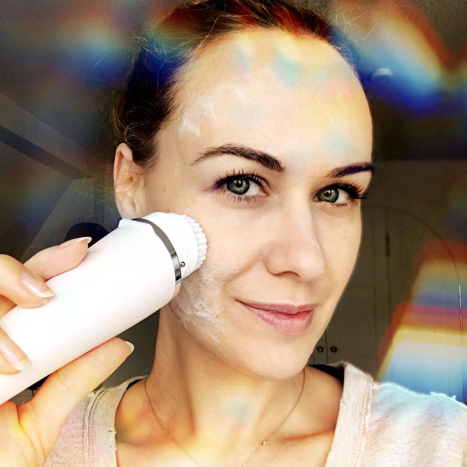 Selbst-Test: Macht eine elektrische Gesichtsbürste meine Haut ...