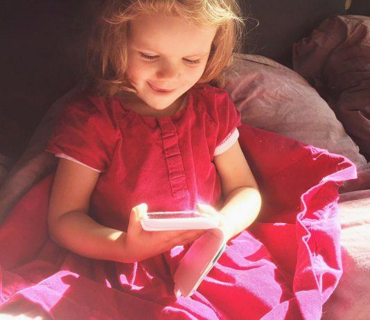 So einfach machst du dein Handy garantiert kindersicher