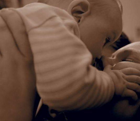 Gehirnthrombose nach der Geburt: Wie sich mein Sohn zurück ins Leben kämpfte