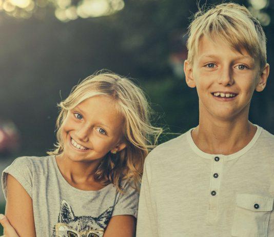 Studie zeigt: Eltern bevorzugen oft ihr jüngstes Kind. Und das ist gut so!