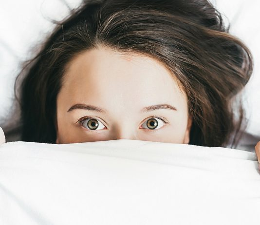 Körpergeruch und Hängebauch: Worüber im Wochenbett niemand spricht