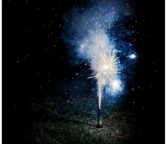 Schutz vor Feinstaub an Silvester: Brennende Rakete
