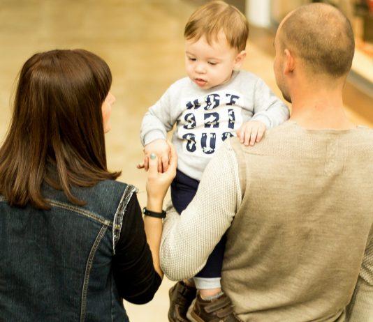 So viele Wörter sollten Kleinkinder für eine optimale Gehirnentwicklung hören