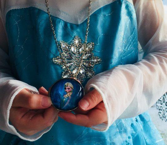 Warum Elsa und Anna das Zeug zu echten Vorbildern für meine Tochter haben!