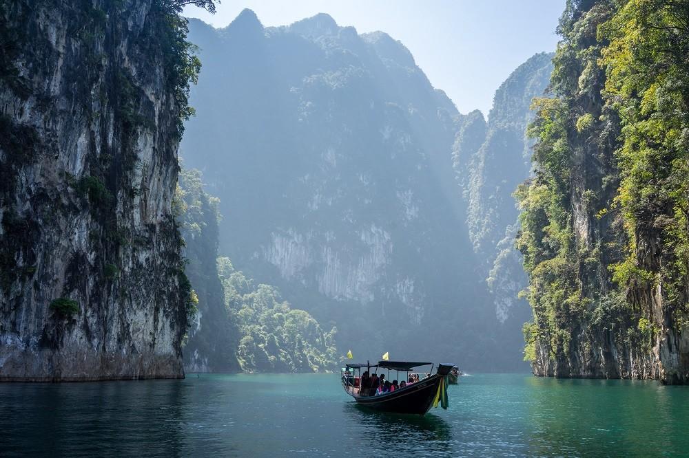 Thailand ist ein warmes Reiseziel für den Urlaub im Winter mit Kindern