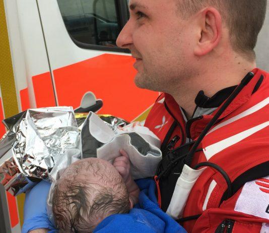 Geburt auf der Autobahn: Himmlische Hilfe für eine Blitz-Entbindung