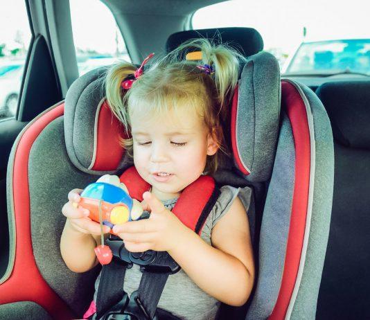 Noteinsatz! Mutter lässt Dreijährige im überhitzten Auto warten