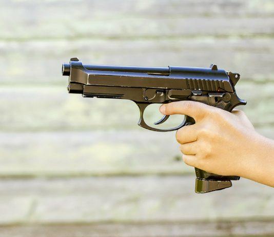 Drama in den USA: Dreijährige schießt auf ihre schwangere Mama