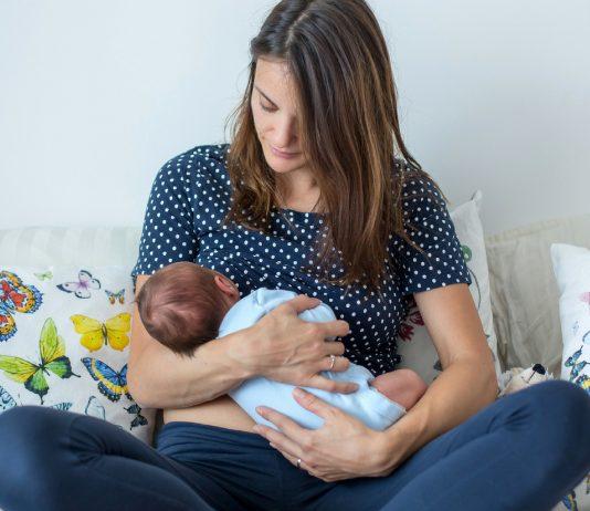 Unsere 10 besten Still-Tipps – von einer Hebamme und echten Mamas