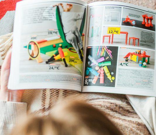Du bist auf Namenssuche? Blätter doch einfach mal im IKEA-Katalog!