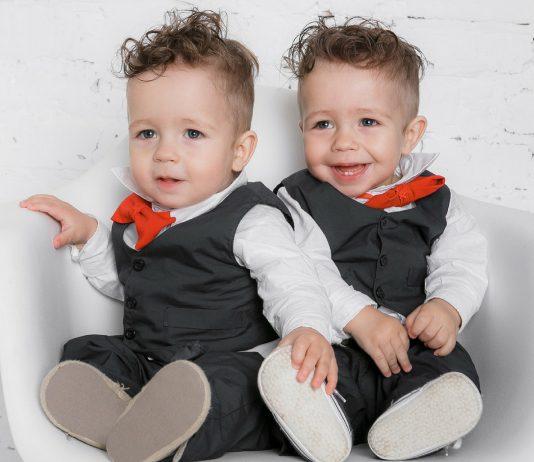Zwillinge: Zwillingsnamen finden - diese Tipps helfen