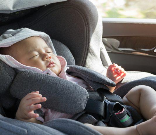 Wieso schauten die Leute nur zu, als ein Baby im Auto eingesperrt war?
