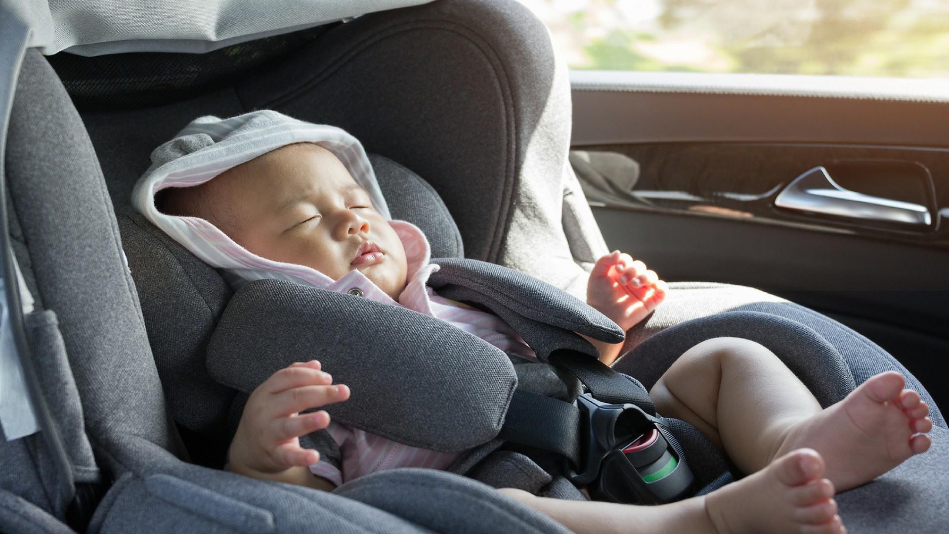 wieso schauten die leute nur zu als ein baby im auto eingesperrt waren. Black Bedroom Furniture Sets. Home Design Ideas