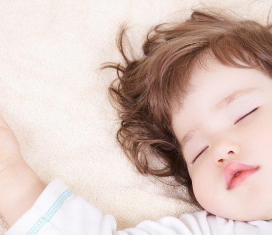 schlafendes Kleinkind