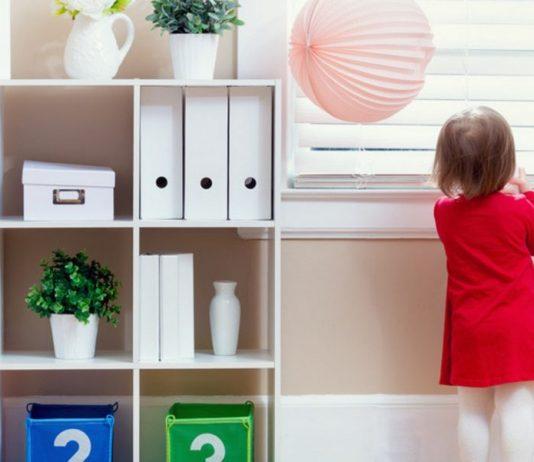 Kind im Büro
