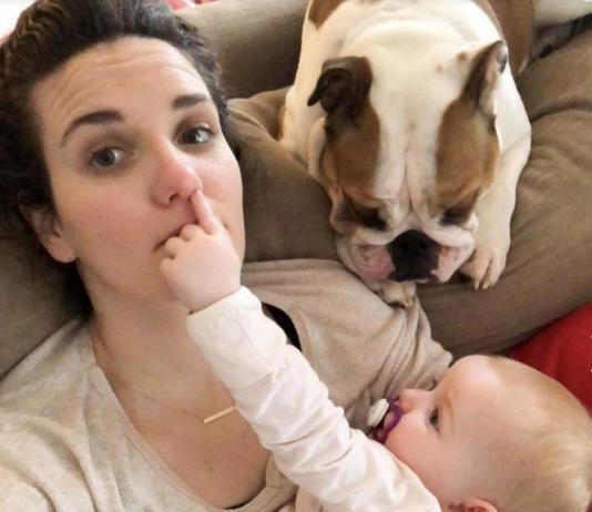 Baby ärgert die Mutter