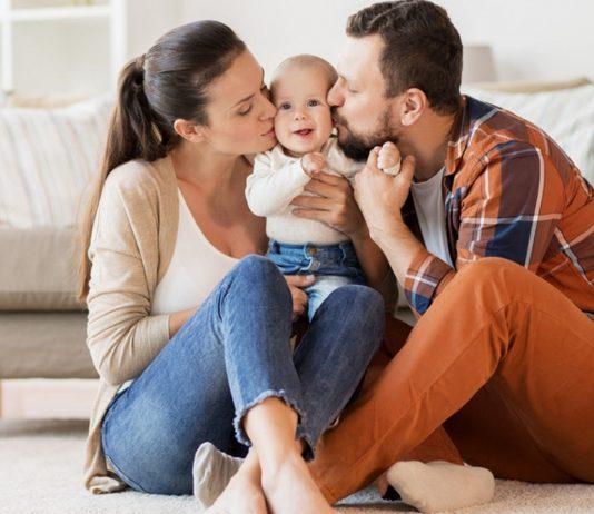Familie genießt den Moment