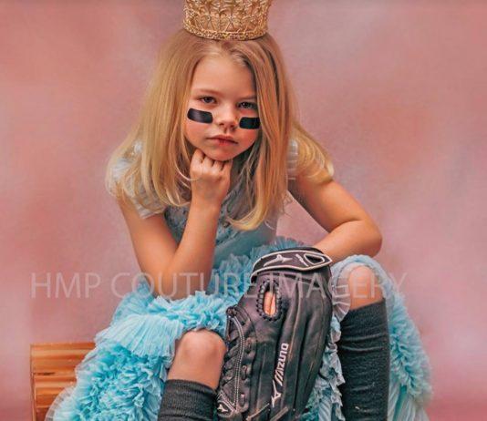 Mädchen verkleidet als Prinzessin