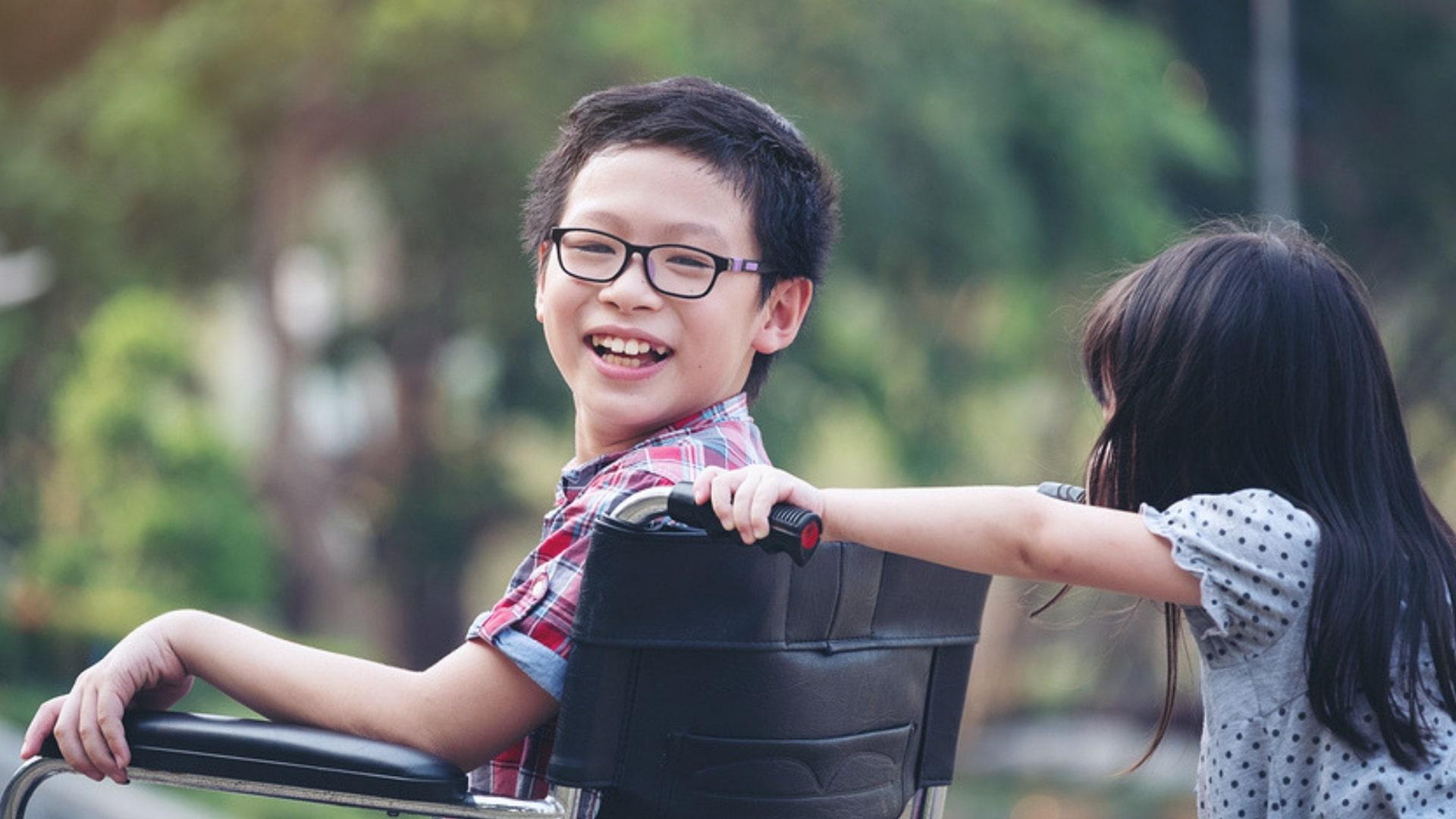 Inklusion Junge im Rollstuhl