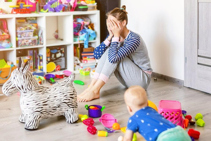 Mutter verzweifelt im Babychaos.