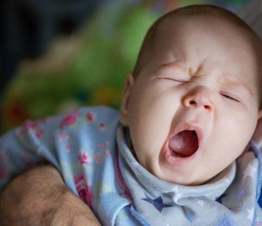 Baby-Schlafrhythmus: Wann ist Baby müde?