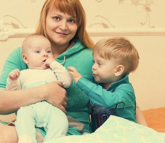 Mama mit zwei Kindern