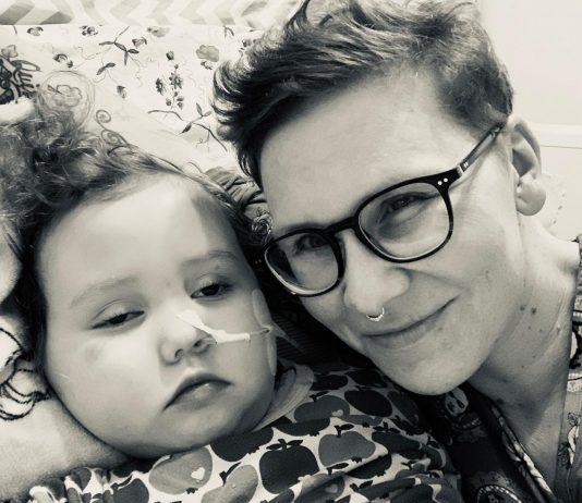 Marions Tochter Emma leidet an einem Hirntumor