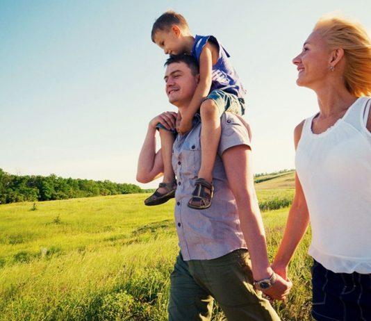 Glückliche Patchwork-Familie