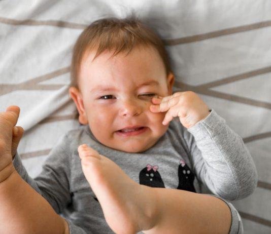 Krankes Kind mit Mundfäule