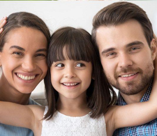 Gute Vorsätze als Eltern: Glückliche Familie