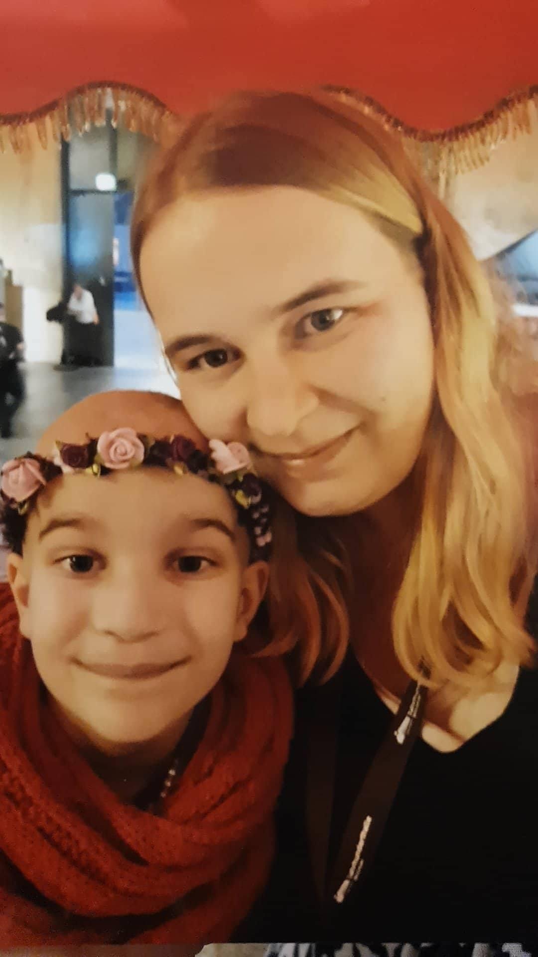 Pia mit ihrer Mama