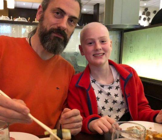 Knochenkrebs bei Kindern: Wiebke mit ihrem Vater
