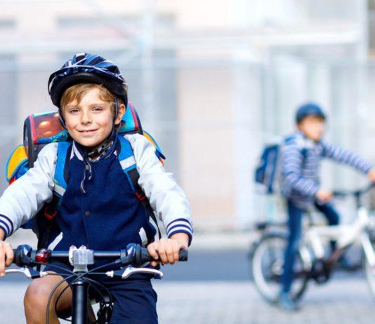 Kinder alleine Fahrrad fahren: