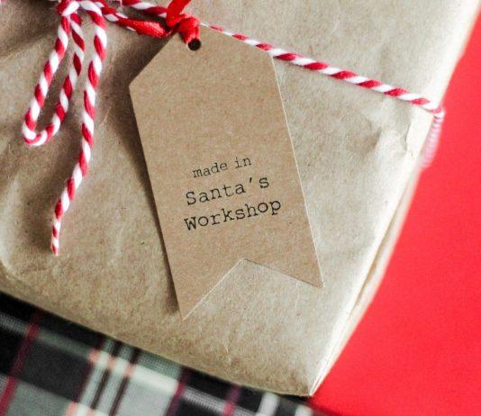 Selbstgemachte Weihnachtsgeschenke: liebevoll eingepacktes Geschenk