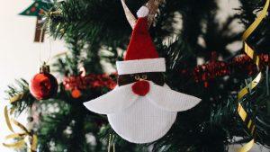Weihnachtsmann-Anhänger aus Filz