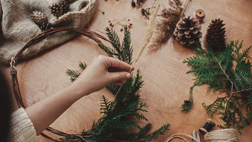 Weihnachtsdeko Aus Tannenzapfen Basteln So Einfach Gehts