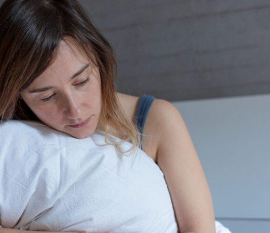 Frau nach missed abortion: eine verhaltene Fehlgeburt wird oft nicht bemerkt