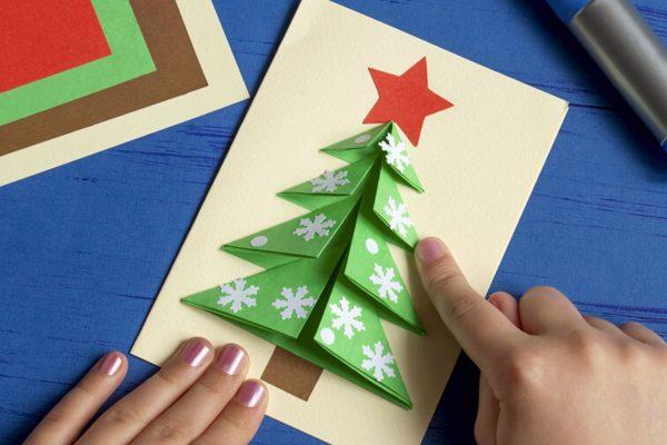 Weihnachtskarte Kinder Basteln: Karte mit Weihnachtsbaum falten