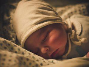 baby schlaf zwei monate baby schlaeft