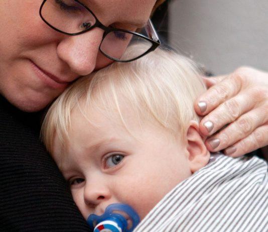 Aileen und Maxi haben beide Neurodermitis - und meistern ihr Leben mit ganz viel Liebe.