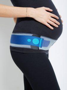 Der Beckengurt für Schwangere ist eine gute Lösung bei Schmerzen im Beckenbereich aufgrund einer Symphysenlockerung.