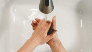 Regelmäßiges Händewaschen ist besonders zu Zeiten des Coronavirus unabkömmlich.