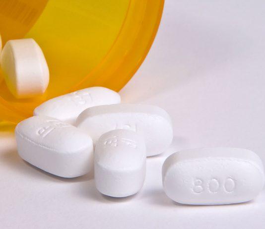 Ibuprofen sollte nicht bei einem Corona Verdacht angewendet werden.
