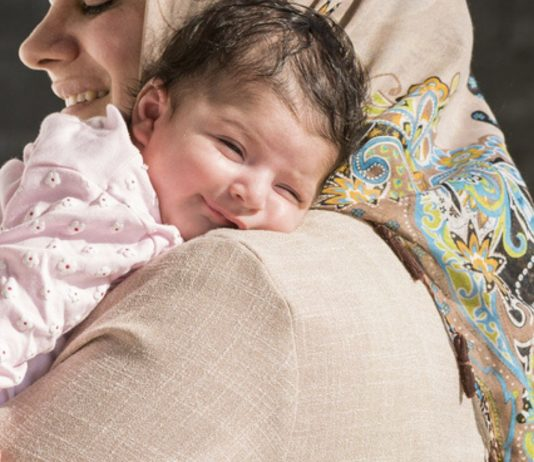 Muslimische Mädchennamen klingen zauberhaft und haben eine starke Bedeutung